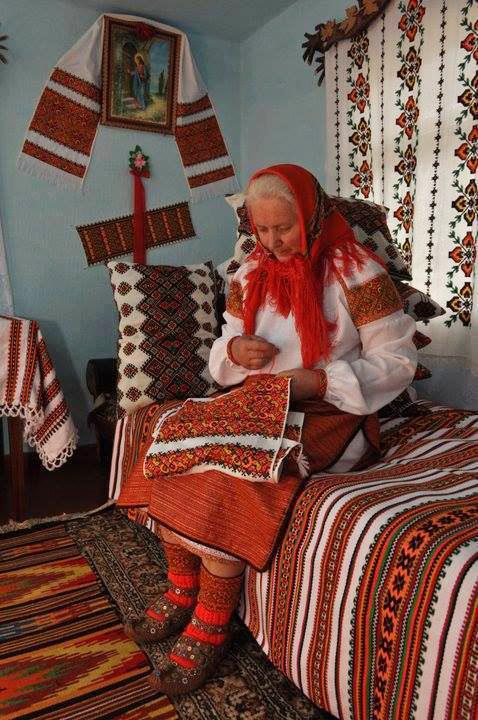 UKRAINE TEXTILE ARTIST