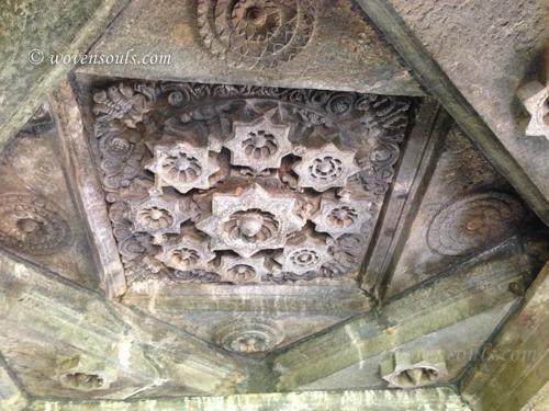 Tamdi-Surla-temple-Goa-17