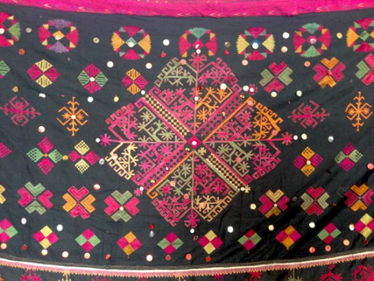 ANTIQUE SWAT VALLEY KOHISTAN EMBROIDERY SHAWL TEXTILE