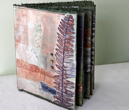 Wendy Burgess. I have had a lot of fun with Rachael Singleton's fern printing workshop from Wowbook 5. I tried all the different tissue papers in my stash for the printing so now have a better understanding of their differences. I stitched the concertina together to make it into a flat book. 2.