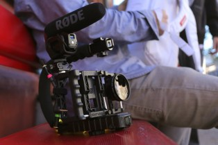 beastgrip-pro-camera-phone-lens-mount-02-1200x800