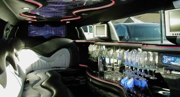 Inside The CT Chrysler 300 Limousine--SEXY! photo