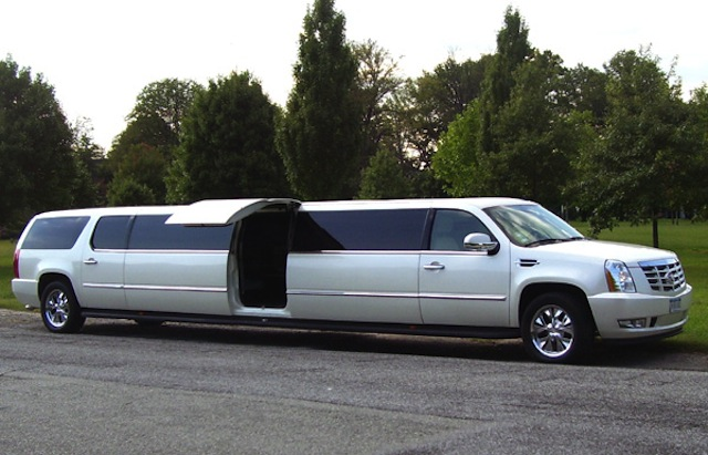 Cadiilac Escalade LEAR-Jet Door Wow Limo CT photo