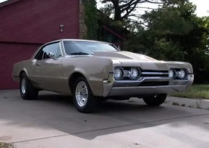 Chris's 1967 Oldsmobile 442 – Front