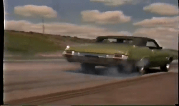 Burnout of a 1971 Oldsmobile 442 Convertible W30