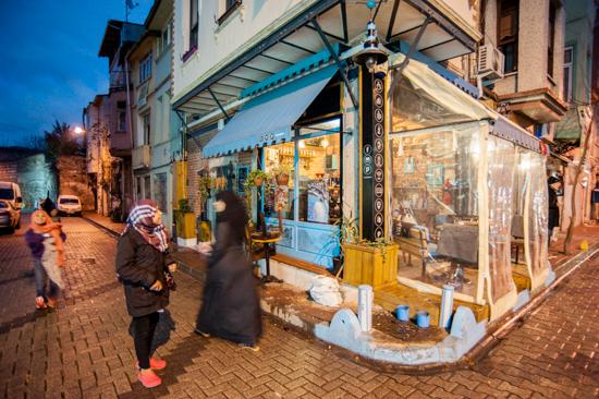 Isanbul, negozi a Balat