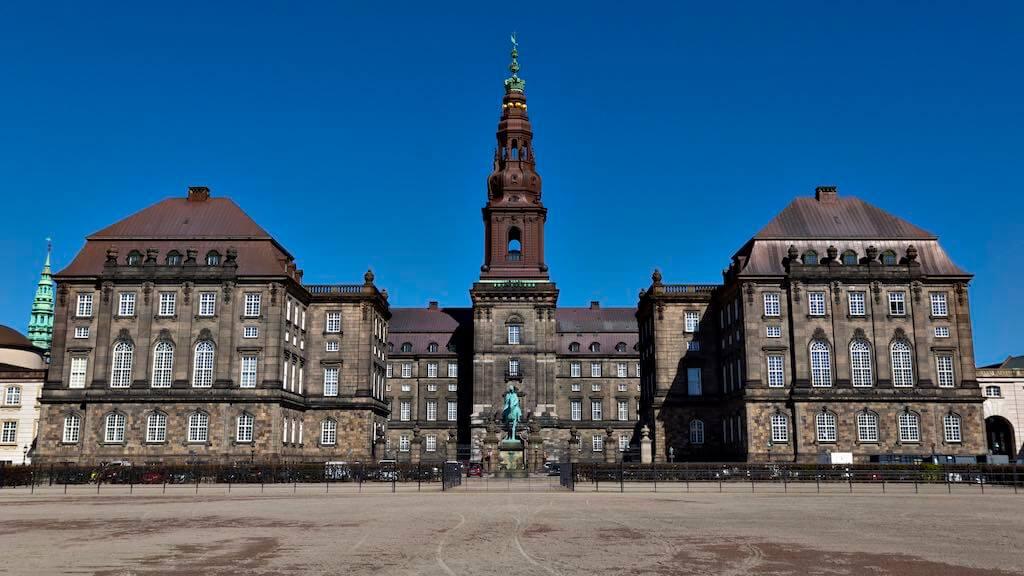 Christiansborg Palace, Copenhagen - by Miguel Mendez :Flickr
