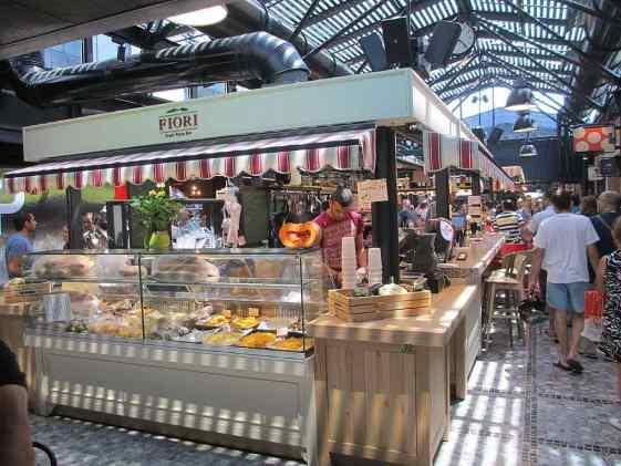 Sarona Market, Tel Aviv - by dr. avishai teicher - by Avi1111 :Wikimedia