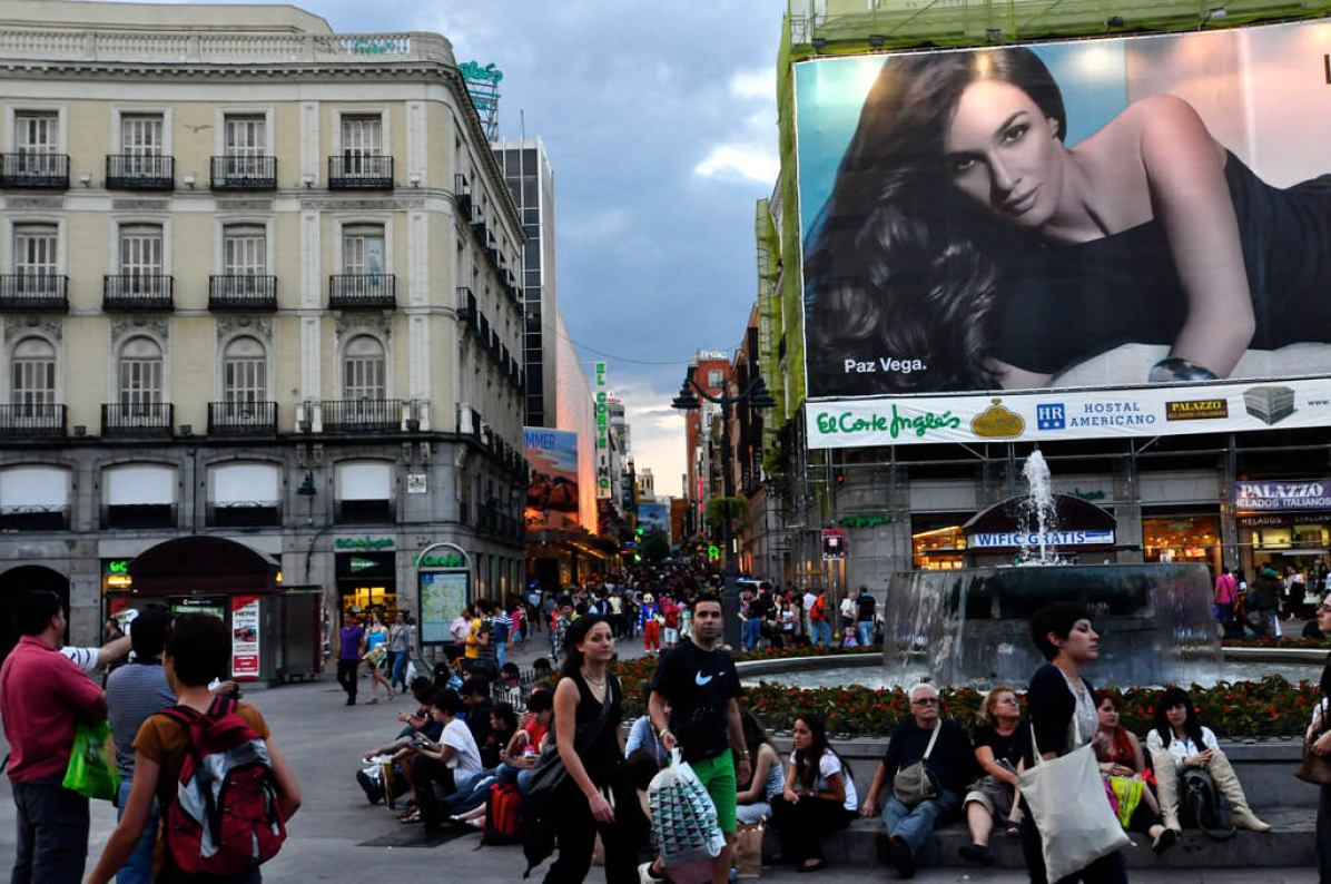 Puerta del Sol, Madrid - by Dan:Flickr