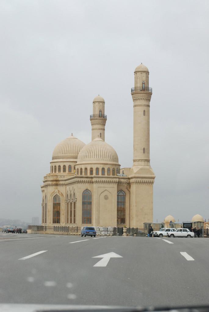 Bibi-Heybat Mosque, Baku - by k calypso:Flickr