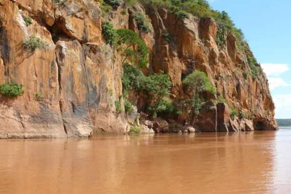 Tsiribihina River, Madagascar - by Rita Willaert:Flickr