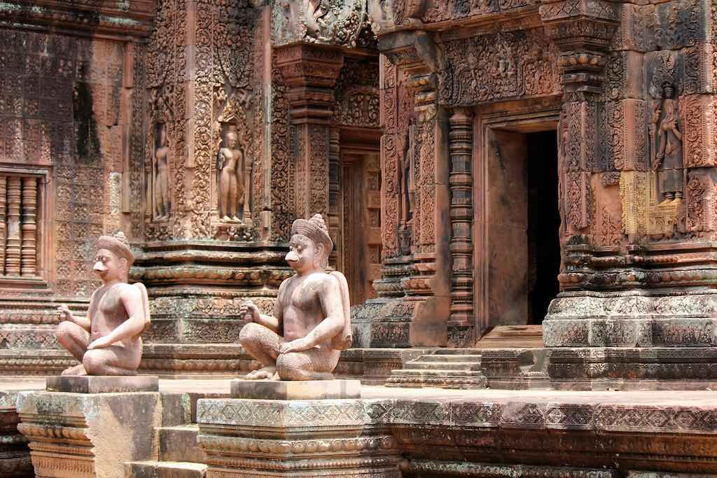 Banteay Srei, Cambodia - by oss Huggett - rosshuggett:Flickr