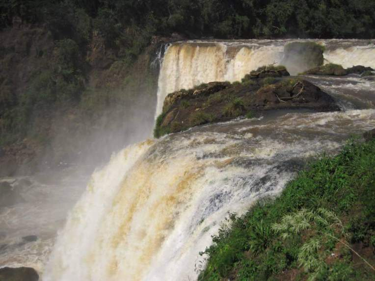 Salto del Monday, Paraguay - by ccarlstead:Flickr