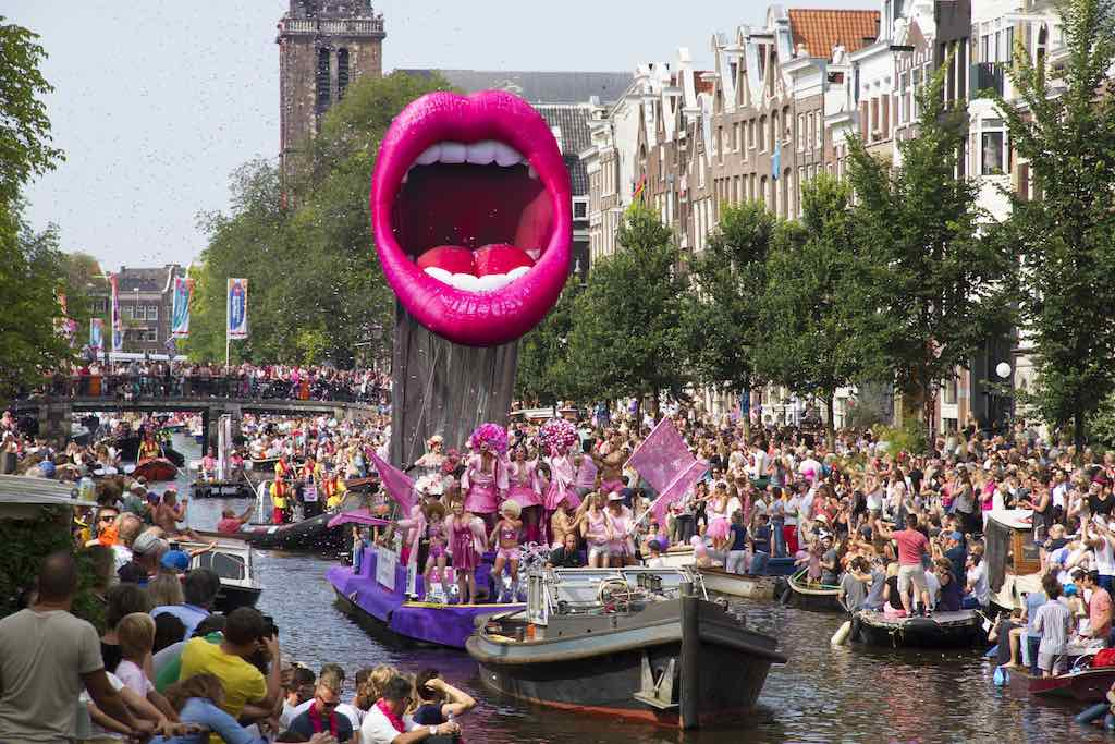 Amsterdam Canal Parade - by Kitty Terwolbeck:Flickr