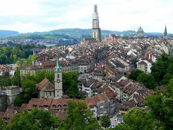 Altstadt (Old Town), Bern - by Allan Watt - wattallan594:Flickr