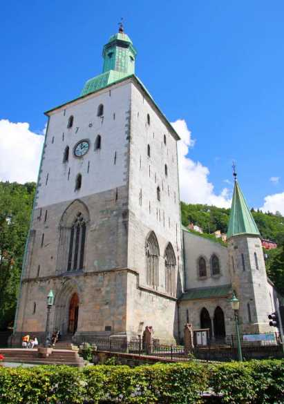 Bergen Cathedral - by Guillaume Baviere - Giåm:Flickr