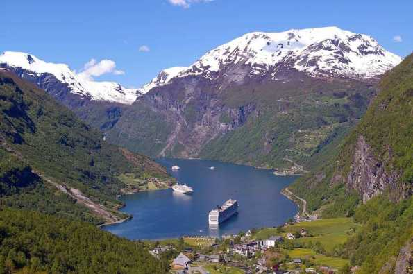 Fjords, Norway - by Kerstin Riemer - KRiemer:Pixabay
