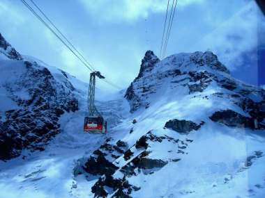 Matterhorn Glacier Paradise Tramway - by Cable1:Wikimedia