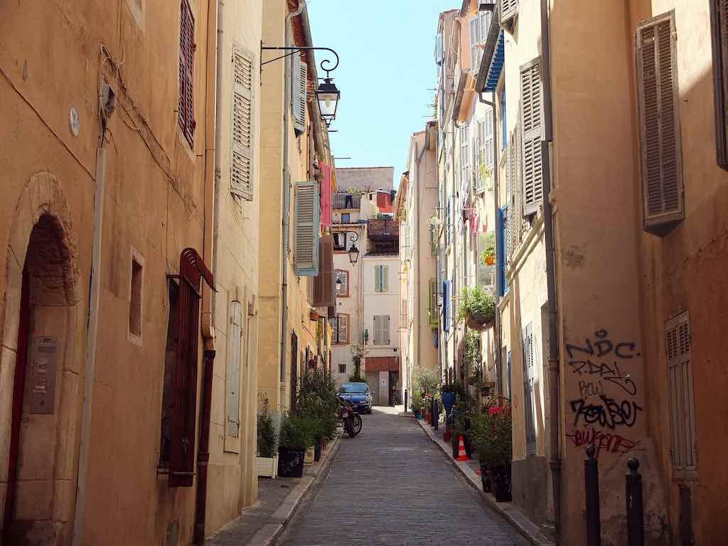 Old Town, Marseille - by jellybeanz:Flickr