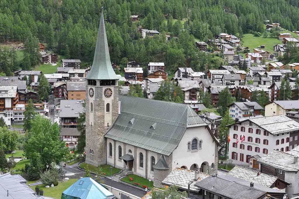 St. Mauritius Church, Zermatt - by Nbltsgndpfrdbrms:Wikimedia
