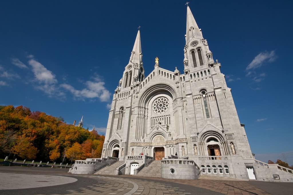 Basilica of Sainte-Anne-de-Beaupre, Quebec City - by Dhinakaran Gajavarathan - Oli-Oviyan:Flickr