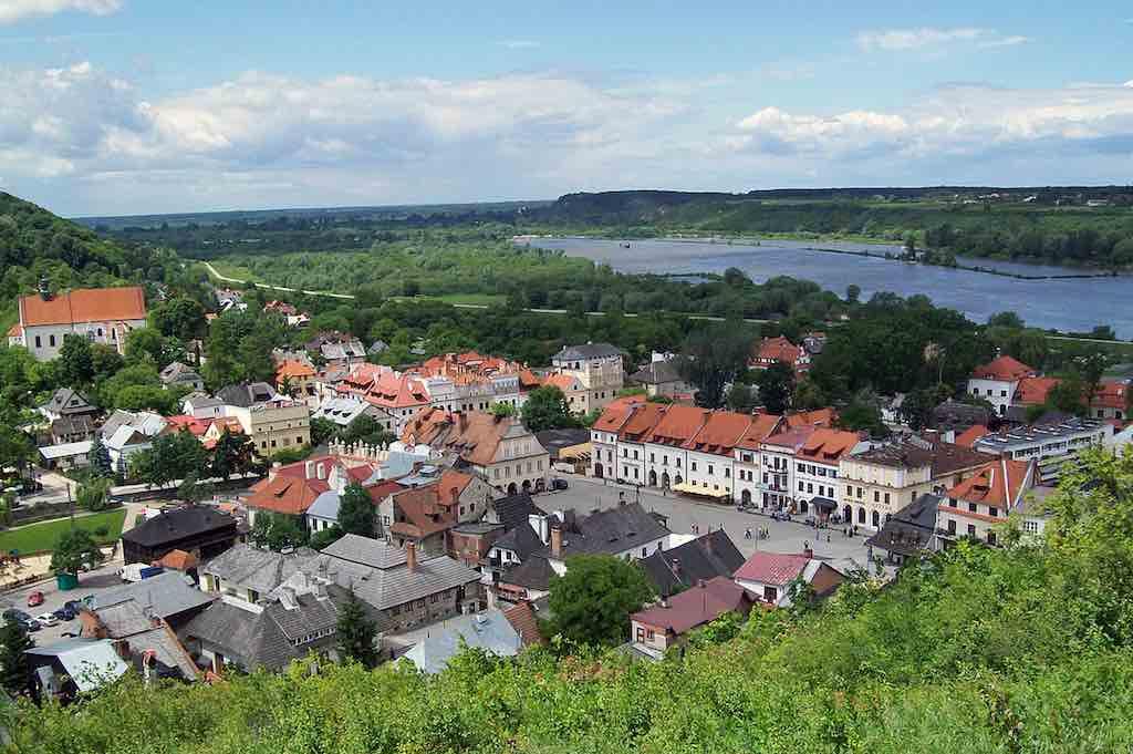 Kazimierz, Poland - by Elapros:Wikimedia