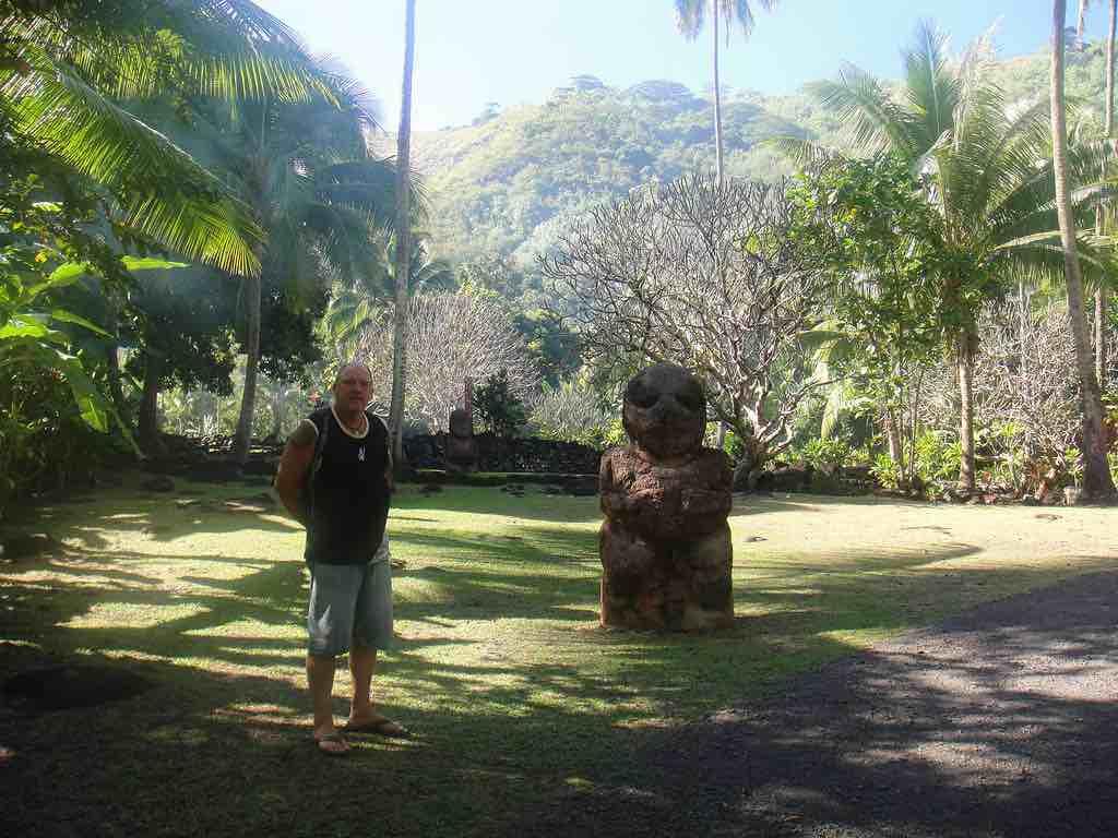 Marae Arahurahu, Tahiti - by Rachel Roberts - rache65:Flickr
