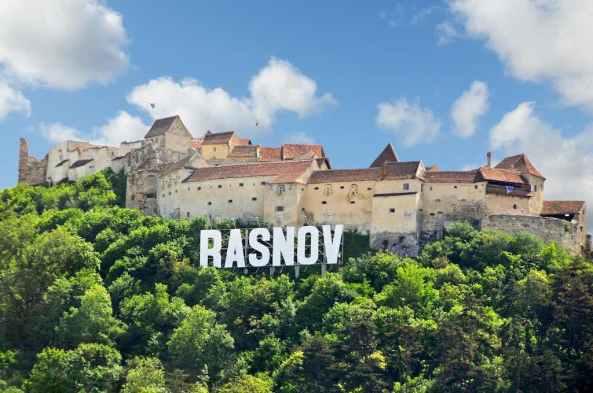 Rasnov, Romania - by Dennis Jarvis:Flickr.com