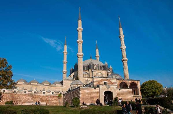 Selmiye Mosque -by Ava Babili/Flickr.com