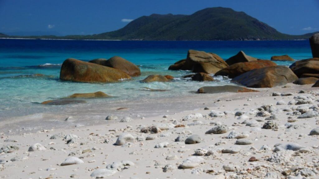 Fitzroy Island, Cairns, Queensland, By Farruquitown, flickr.com