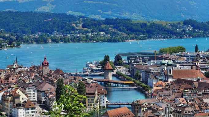 Lake Lucerne -by Werni/Pixabay.com