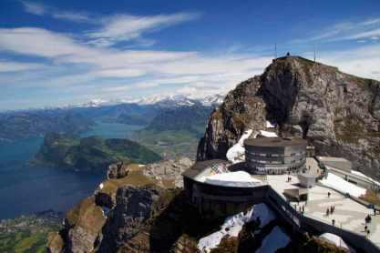 Mount Pilatus -by Devon D'Ewart/Flickr.com