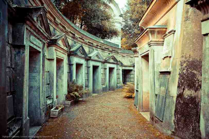 Highgate Cemetery, London -by Joas Souza/Flickr.com