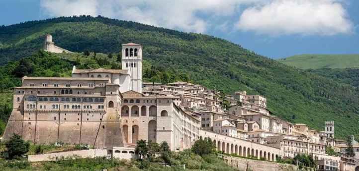 Papal Basilica of Saint Francis - by Peter K Burian/Wikimedia.org