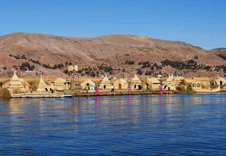 Floating Islands of Uros -by Pavel Špindler/Wikimedia.org