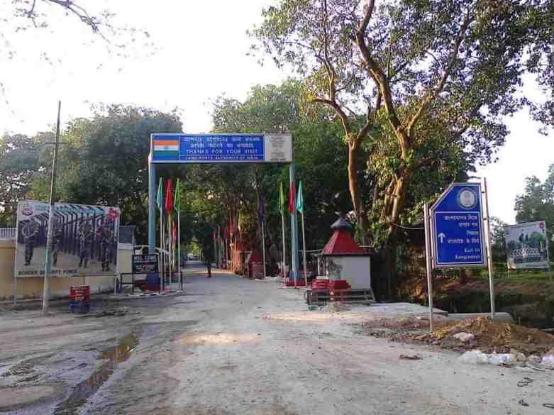 India Bangladesh Border -by PP Yoonus/Wikimedia.org