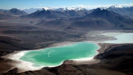 Laguna Verde -by Albert Backer/Wikimedia.org