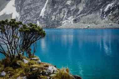 Lake 69 -by Christian Cruzado/Flickr.com