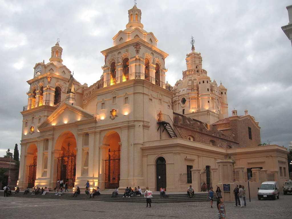 Cathedral of Cordoba -by Cambalachero/Wikipedia.org