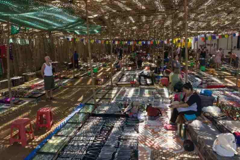 Anjuna Flea Market -by Alexey Komarov/Flickr.com