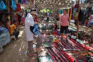 Anjuna Flea Market -by Valeria Bolotova/Flickr.com