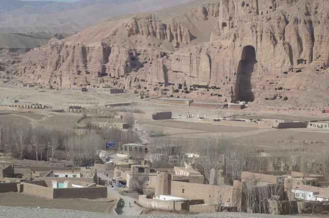 Bamyan Buddha Site -by Robin Lin/Wikipedia.org
