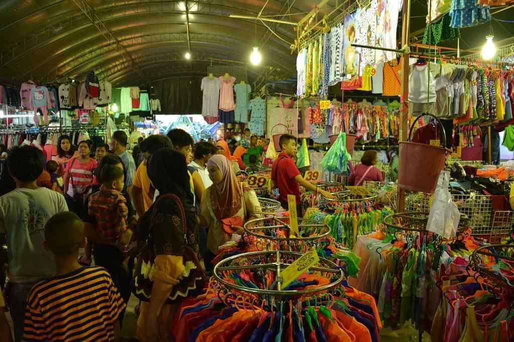 Krabi night market, Krabi town -by Paul Arps/Flickr.com
