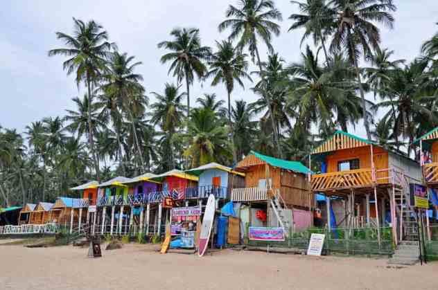 Palolem Beach -by aakka/Pixabay.com