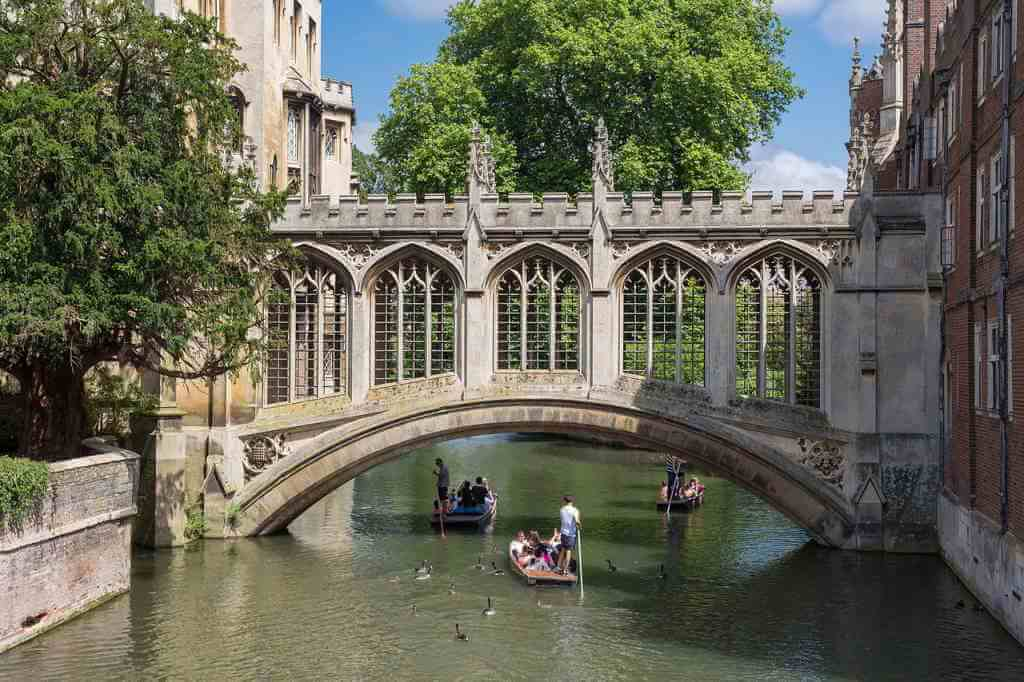 Bridge of Sighs, Cambridge - by Diliff, Commons.wikimedia.org
