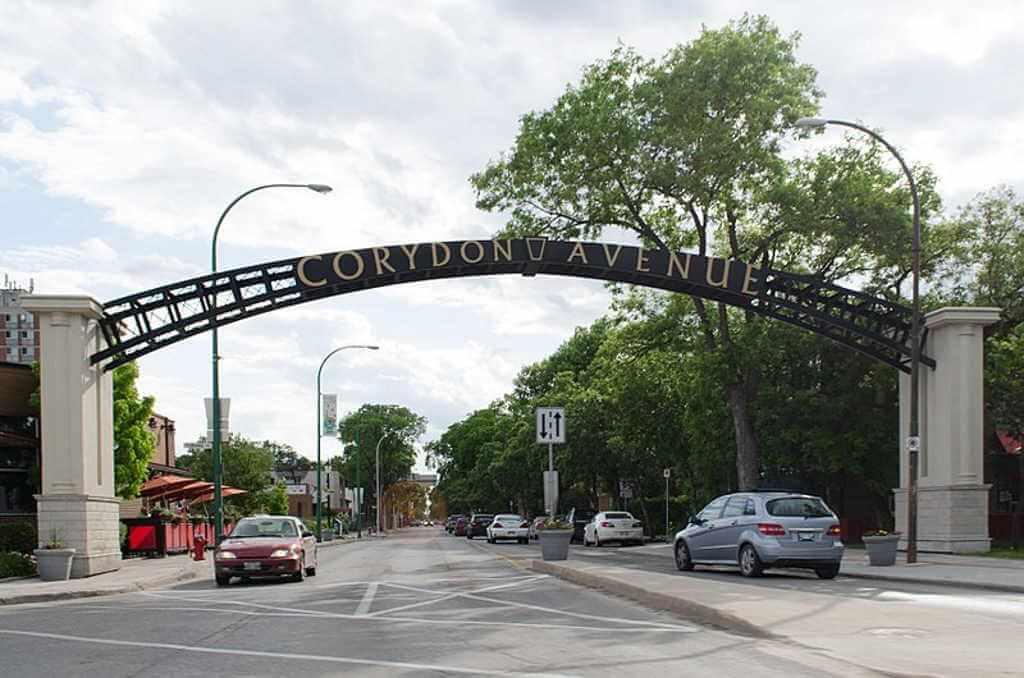 Corydon Avenue -by Ccyyrree/Wikimedia.org