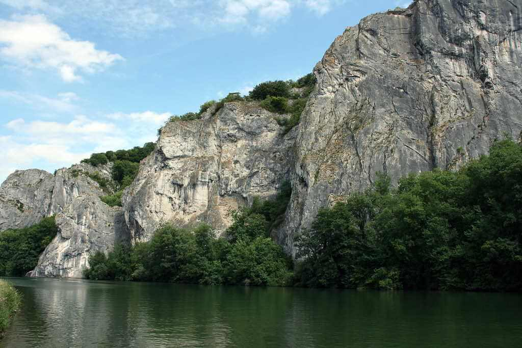 Rock Formation, Dinant, Belgium - by Pascal / flickr.com