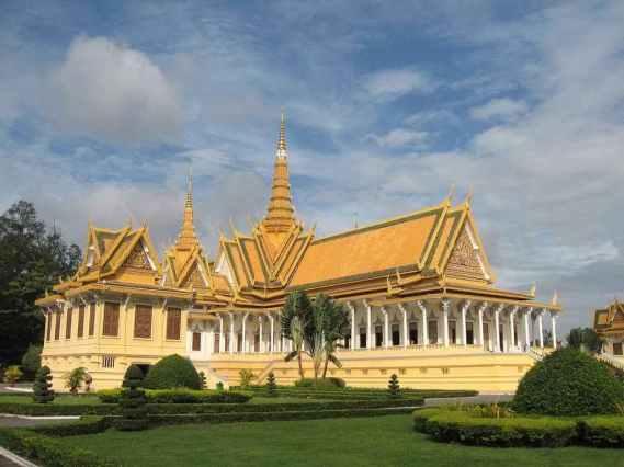 The Royal Palace (Throne Hall) -by Nikin Kovilakath/Wikimedia.org