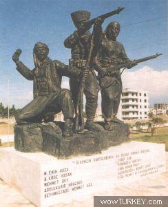 ayvalık 'İlk Kurşun Anıtı' ile ilgili görsel sonucu