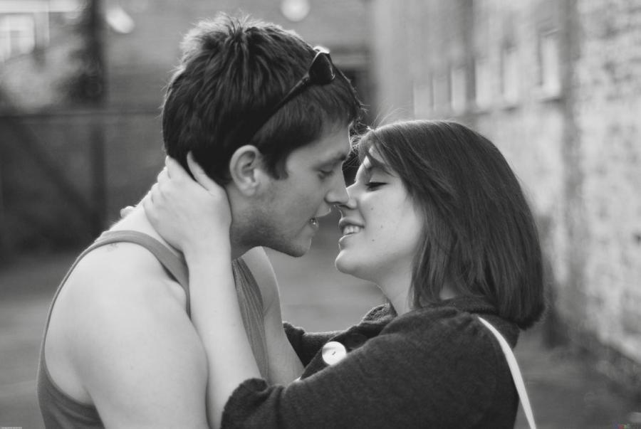 صور رومنسيه ساخنه لحظات دافئة بين المحبين اغراء قلوب